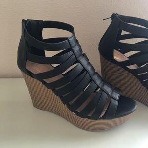 Caged Wedges / Platform Shoes Black Straps Strappy